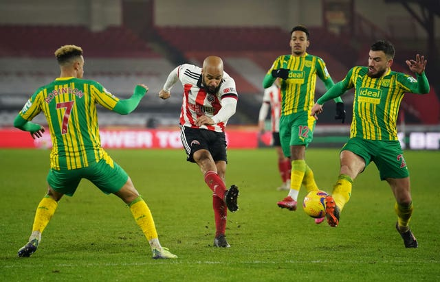 David McGoldrick, centro, se acerca a Sheffield United